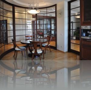 Столовая со стороны кухни