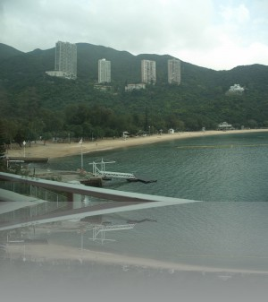 Обратная сторона острова Гонконг-пляжи и минимум небоскрёбов