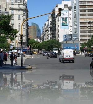 Перпендикулярно Авениде 9-го Июля, улицы скромнее