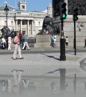 Львы в Лондоне: везде и много