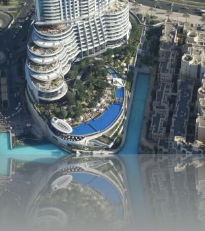 До моря далековато, но пальмы и бассейны есть на 6м этаже