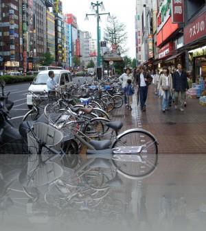 Велосипедистам в Токио нелегко