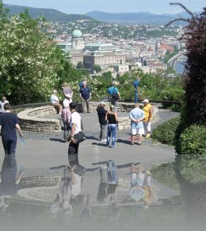 Быковатые напёрсточники, лохи-туристы и Будапешт