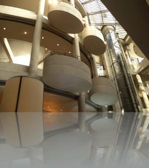Балконы внутри атриума