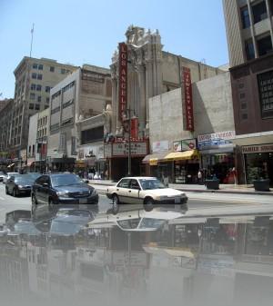 Театральные порталы во всех городах как близнецы