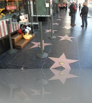 Микки, звёзды, японцы ,русские- это всё на Голливуд бульваре