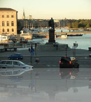 Памятники, мосты, вода