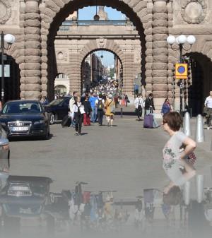 Рикс гатан переходит в главную пешеходную Дроттнигатан
