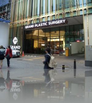Пластическая хирургия витринами не уступает универмагам