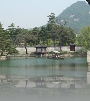 Озеро в дворцовом комплексе