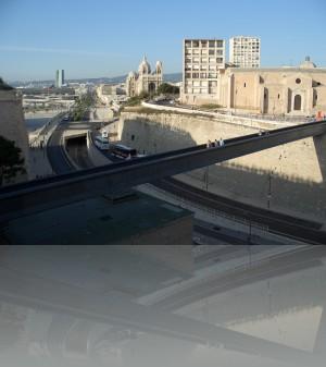 Пешеходный мост из Сен Жан на крышу Mucem